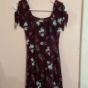 Maroon hollister dress